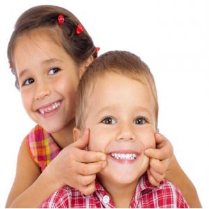 Những điều ba mẹ cần làm để tạo cho trẻ nụ cười rạng rỡ suốt cuộc đời